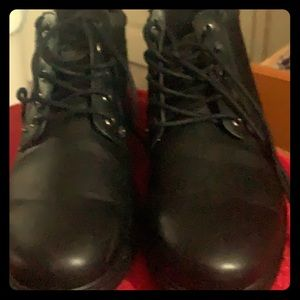 Men's size 10.5 Black leather work boots